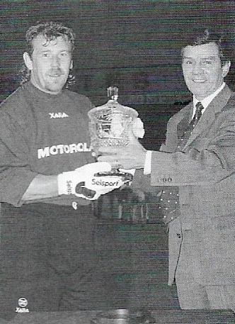Andy Goram receives the Motorola Cup
