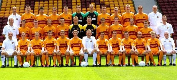 2003/04 Squad Photo